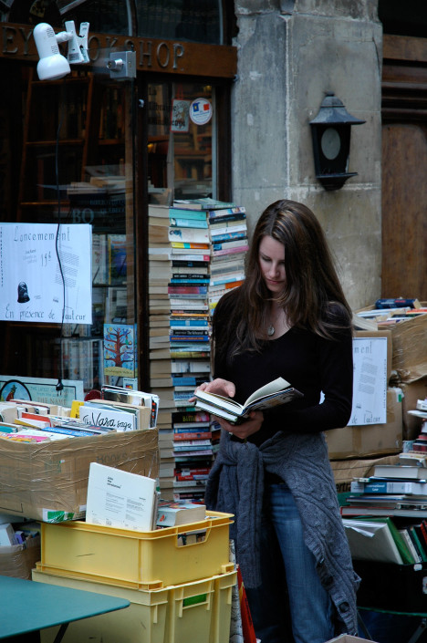 HermitGuide Hollie – Abbey Bookshop, Paris
