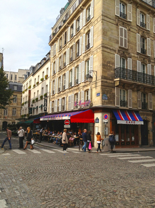 Paris – Left Bank café